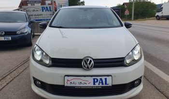 Volkswagen Golf 6 1.6 TDI MATCH Bi-Xenon LED Parktronic full